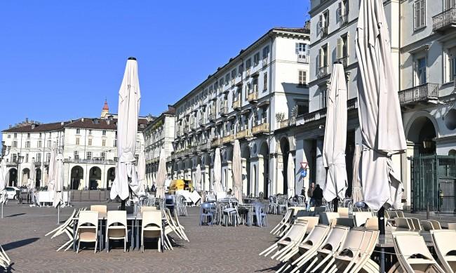 Италия удължава част от ограничнията с месец