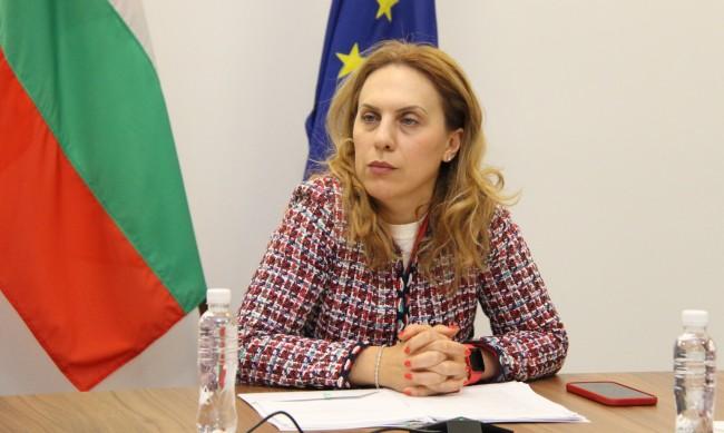 """България и Унгария обсъдиха създаването """"бързи зелени коридори"""""""