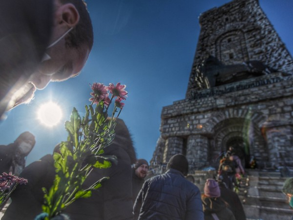 Снимка: Димитър Кьосемарлиев, Dnes.bgПаметникът на Шипка посреща посетителите навръх националния