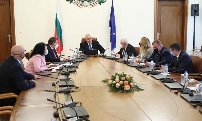 Борисов: Ще продължим помощта за тютюнопроизводителите