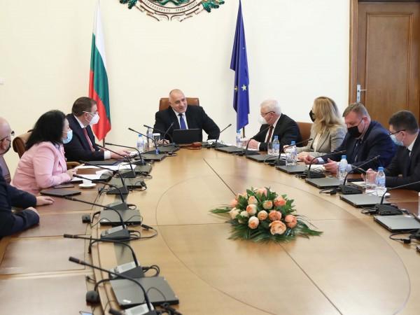 Премиерът Бойко Борисов заяви, че държавата ще продължи да подпомага