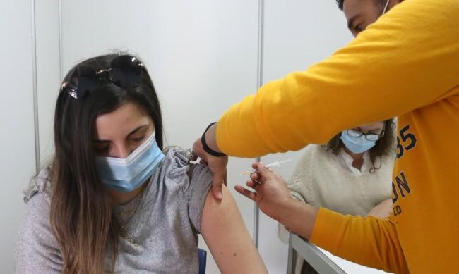 Първи в Европа: Кипър започна ваксинация по домовете
