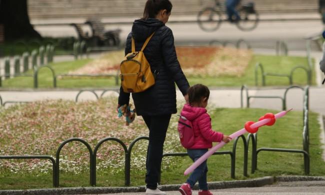 Компенсират родители на деца, неприети в забавачки