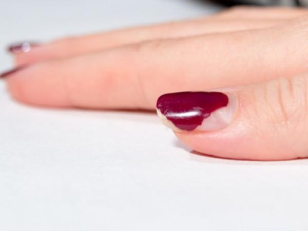 Всички знаем, че гризането на ноктите ги уврежда, води до