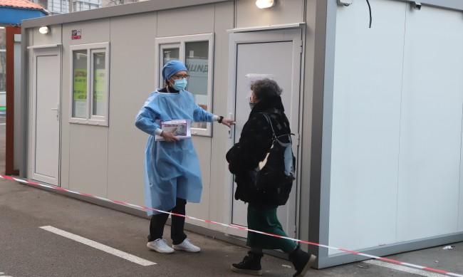 Рязък скок на новозаразени с коронавирус: 3004 само за денонощие