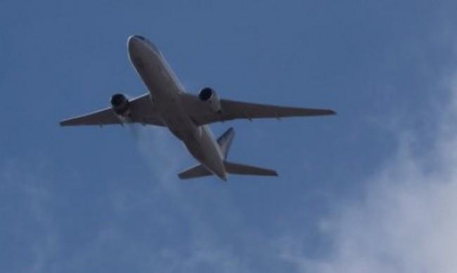 Boeing 737 MAX кацна аварийно в САЩ