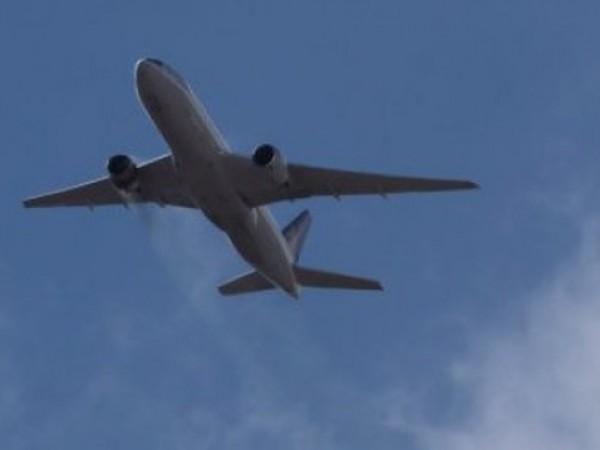 """Самолет Boeing 737 MAX на американската авиокомпания """"Американ Еърлайнс"""" кацна"""