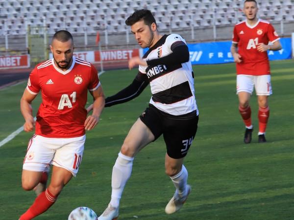 ЦСКА и Локомотив Пловдив изиграха един от най-скучните мачове от