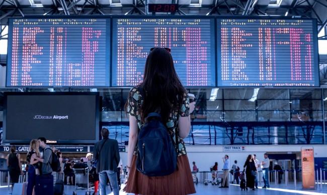 МВнР: Нови изисквания за пътуващите от Англия