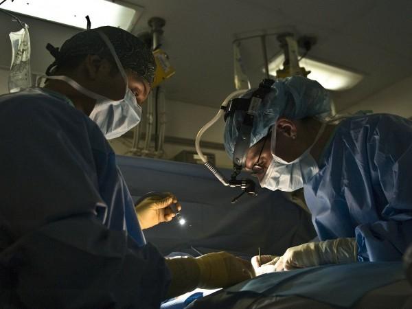 Преди дни екипът на професор Кирил Драганов от болница Токуда,