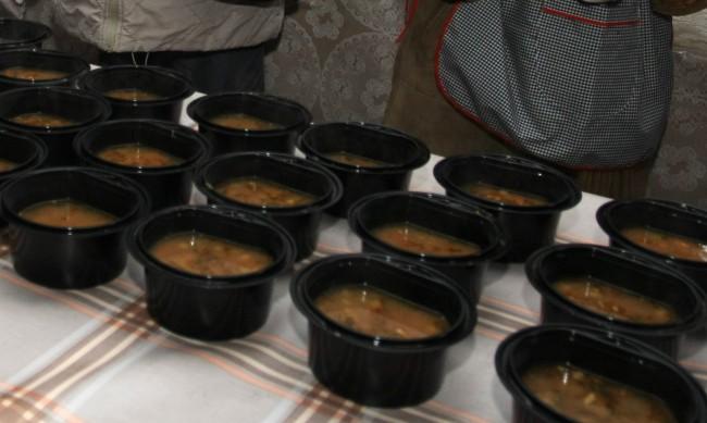 Топъл обяд в условия на пандемия - проверяват как се приготвя