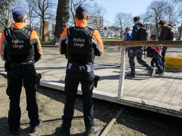 Белгия частично разхлабва от днес мерките срещу пандемията от коронавирус.