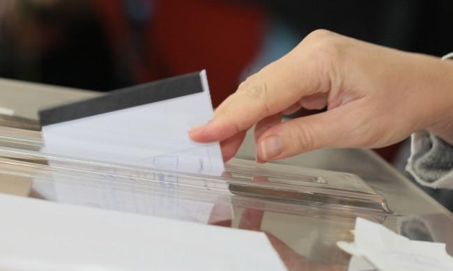 Новият кмет на Баните заема мястото на починалия си баща