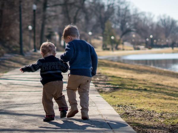 """""""Въвличането на деца в политическа дейност е законово нарушение. Нека"""