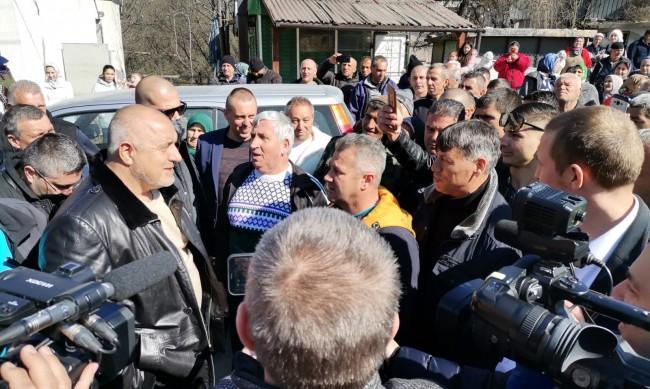 БСП пита защо Борисов не е в отпуск, от ГЕРБ: Не е нарушение!