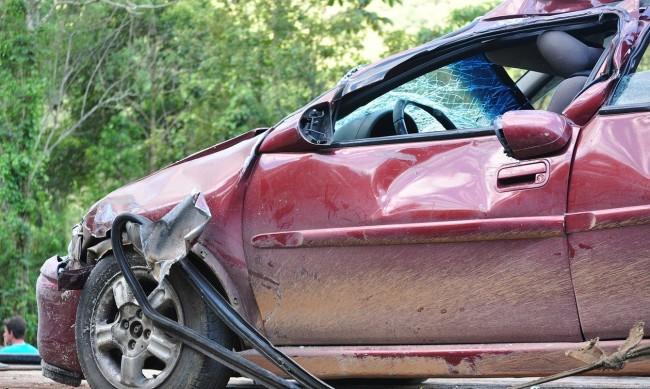 Кола помете трима души в Бяла Слатина, мъж е загинал