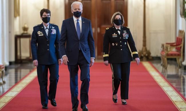 Джо Байдън назначи две жени на висши военни постове