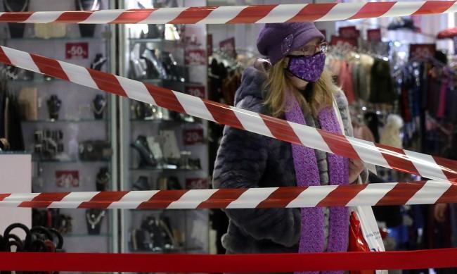 В Гърция растат заразените, очаква се спад в края на март