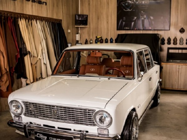 """ВАЗ 2101 """"Жигули"""" е първият автомобил произведен във Волжските автомобилни"""