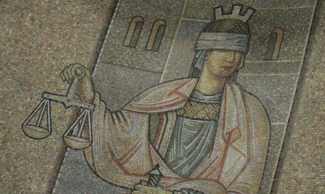 Съдът на ЕС: Европейските заповеди за арест, издавани от България – невалидни