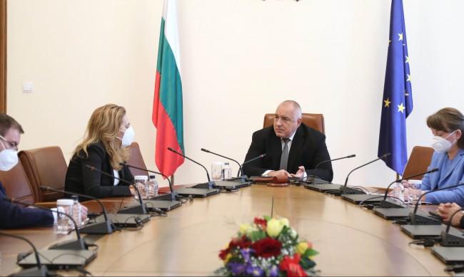 """Борисов нареди: Спира се имунизацията с """"АстраЗенека"""""""
