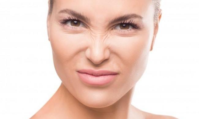 Кои навици водят до преждевременни бръчки по лицето?