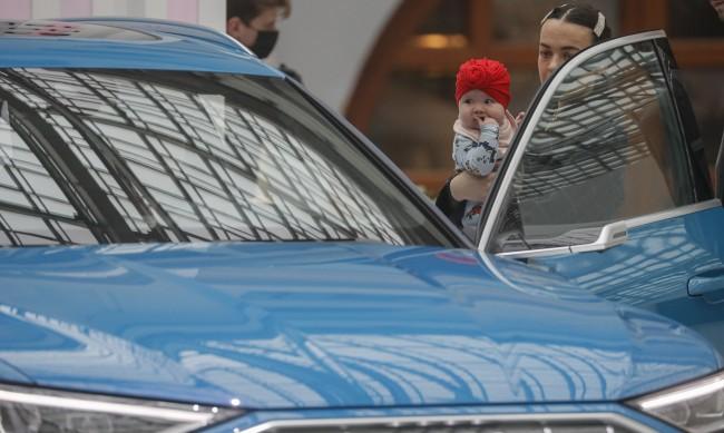 КАТ глобили 1500 родители, качили децата си без столче в колата