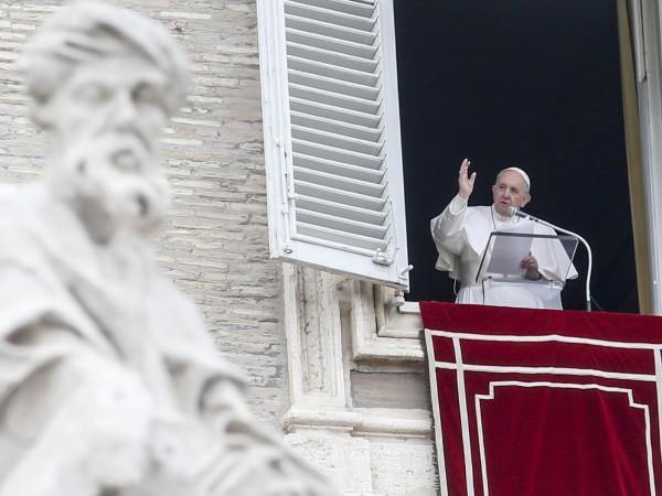 """Папа Франциск призова за """"прекратяване на конфликта"""" в Сирия и"""