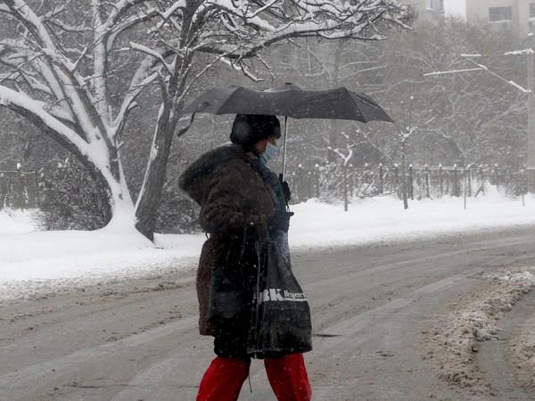 Дъжд и сняг, придружени със силен вятър – такова ще