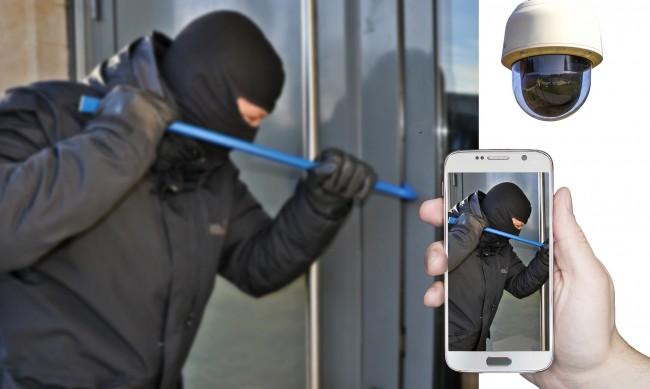 Малолетни разбиват с нож вендинг автомати в столичен квартал