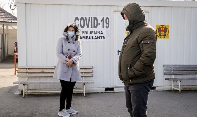 Пълен локдаун в Сърбия, ще се купуват само храни, лекарства, горива