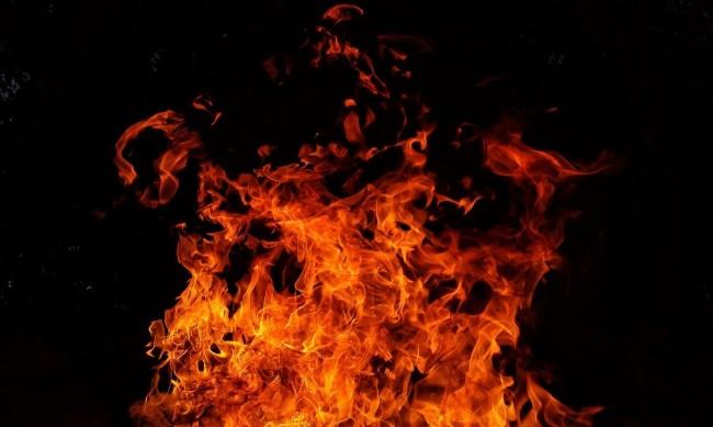 Пожар обгори 63-годишна в дома й в Горна Оряховица