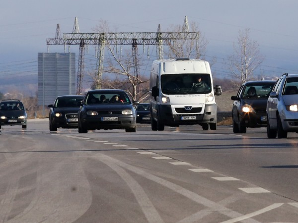 Продажбите на нови автомобили в България се понижиха през февруари