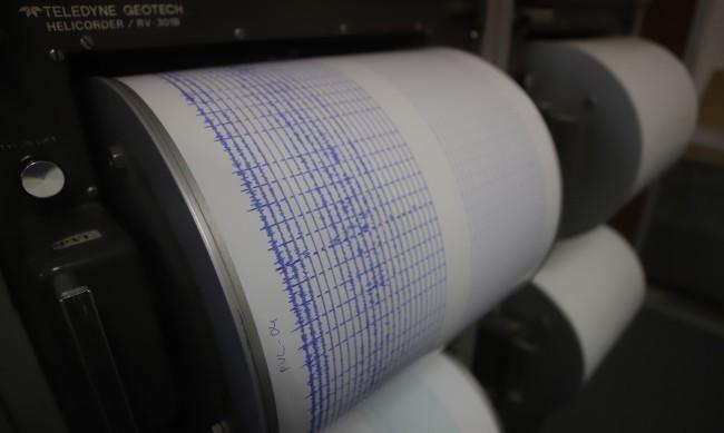 Силно земетресение от 6 по Рихтер разлюля Алжир