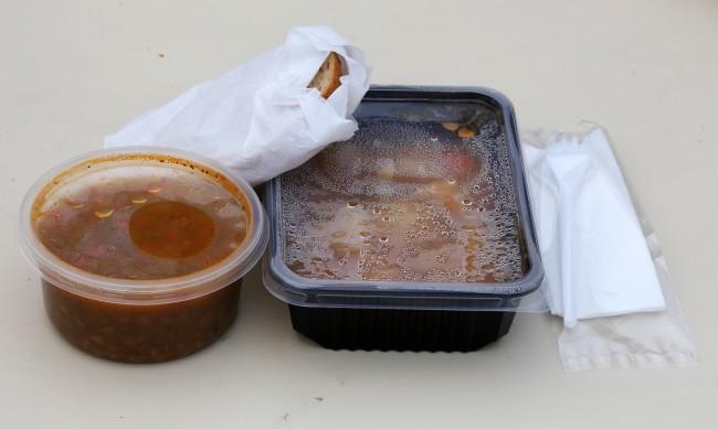 """""""Топъл обяд"""": Една община-нарушител, давала само веганско меню"""