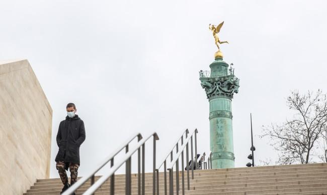 Франция облекчава част от COVID ограниченията