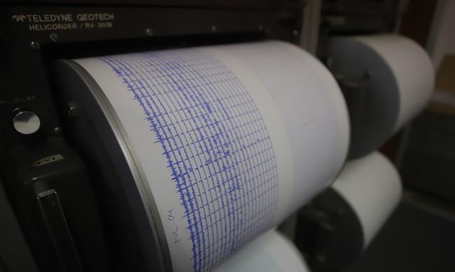 Слабо земетресение близо до Батак