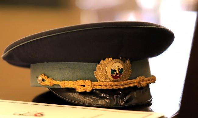 Министерството на отбраната търси кандидати за военна служба за 195