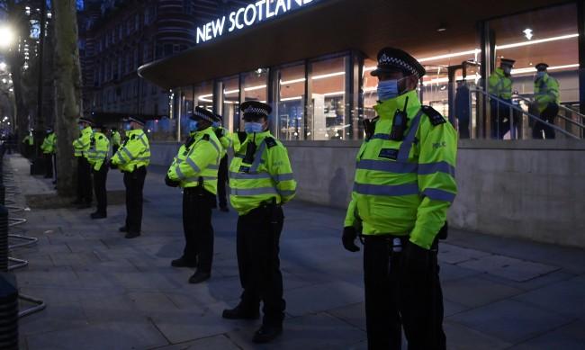 Протест в британския град Бристол ескалира до сблъсъци