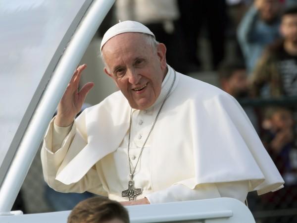 Папа Франциск нареди възнагражденията на кардиналите да се съкратят с