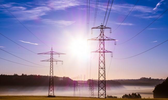Инвестиции в електроразпределителните мрежи ще запазят хиляди работни места