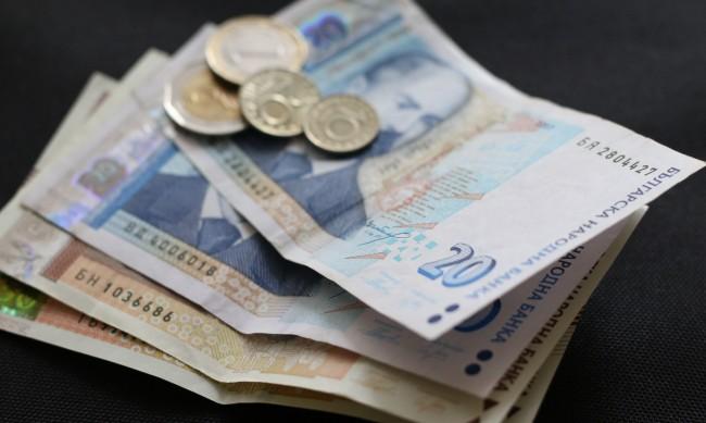 По време на пандемия: Кредитите поевтиняват
