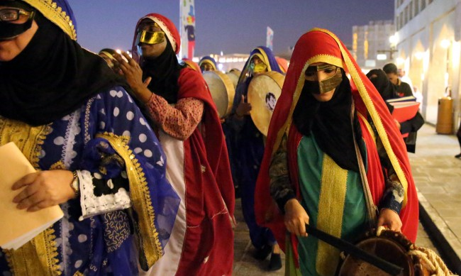 """Жените в Катар са """"третирани като деца"""" и """"живеят постоянно в карантина"""""""