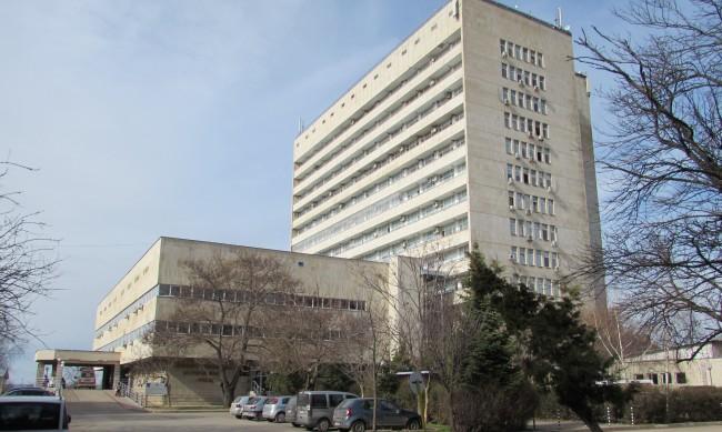Ръст на хоспитализираните с COVID в Русе, увеличават леглата