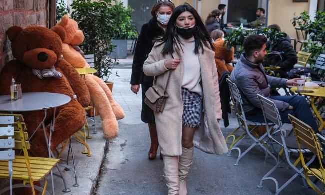 Бум на новите случаи в Турция, затягат ограниченията