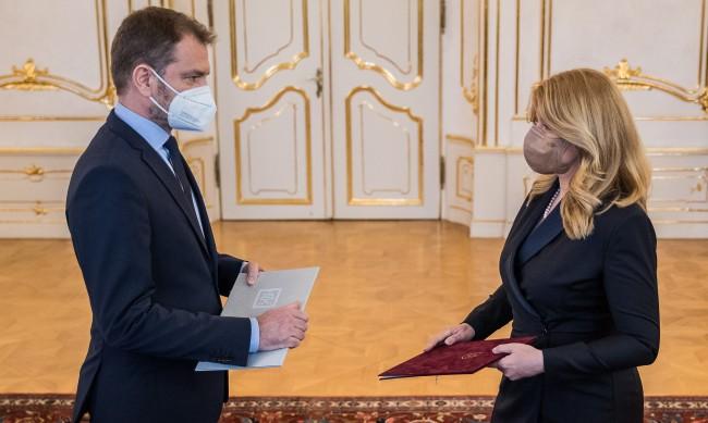 Премиерът на Словакия подаде оставка в кризата