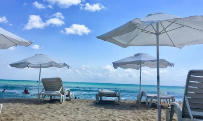 Хотелиерите искат безплатни чадъри и шезлонги за 3 години