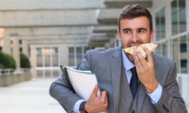 Защо бързото ядене е вредно?