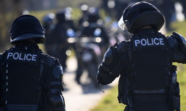 Полицията с гумени куршуми срещу протест в Швейцария