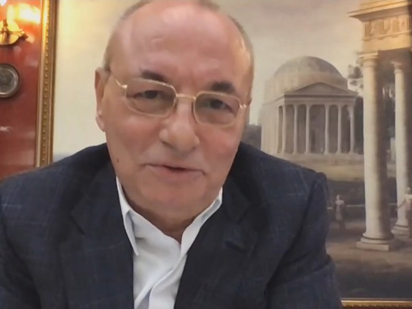 Почетният председател на ДПС Ахмед Доган също упражни своето право